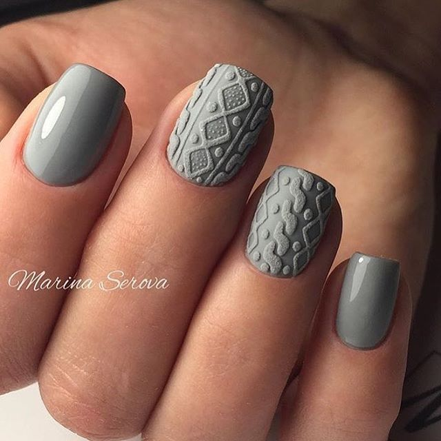 Grey sweater nails