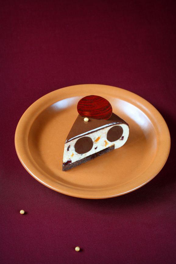 """A receita em português está em baixo. Этот торт интересен неповторимым сочетанием нежнейшего карамельного крема и """"пьяных"""" сухофр..."""