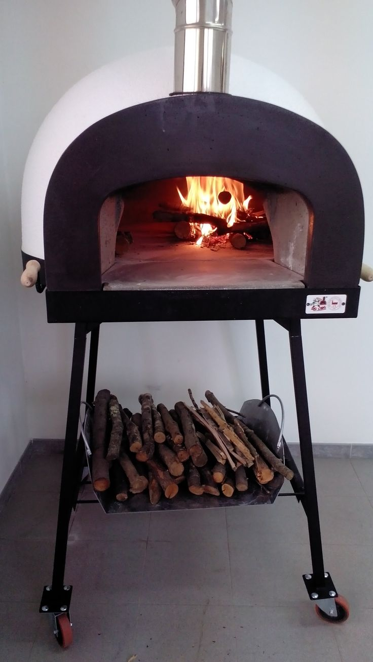 Accensione e fuoco #ziociro #subitocotto #fornoalegna - Lighting and fire subitocotto #woodfiredoven