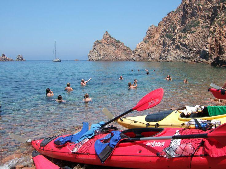 kayak de mer . Au fil de l'eau.