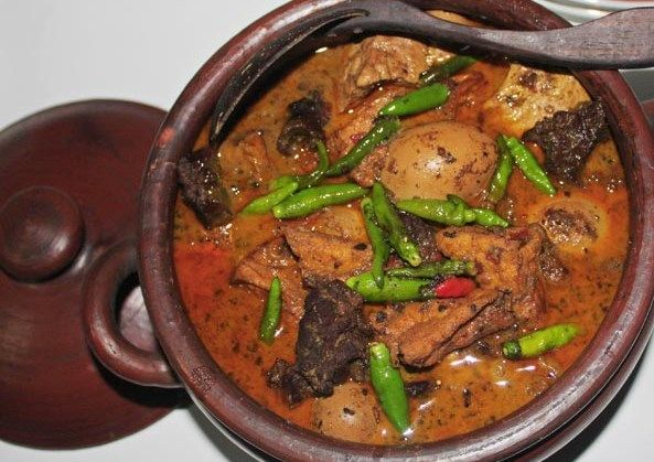 http://www.situspanda.com/kuliner/sayur-brongkos-khas-jogja-yang-gurih-dan-lezat