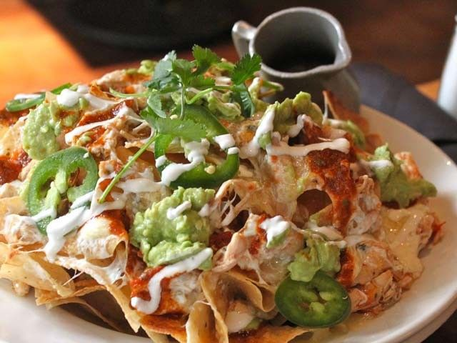 ... out how to make Pulled Chicken Nachos for your March Madness party