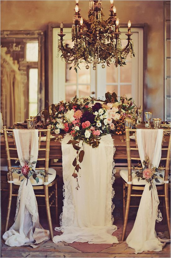 Gold wedding decor for a New Years Eve wedding