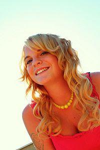 Turn Frizzy Curls Into Beautiful Twirls: 8 Tips #beauty #hair