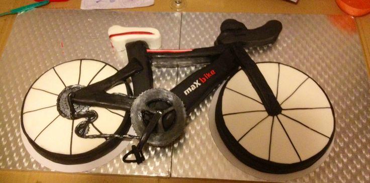 Fondant bike cake