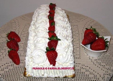 Fragole e panna: Rotolo alle fragole per un compleanno