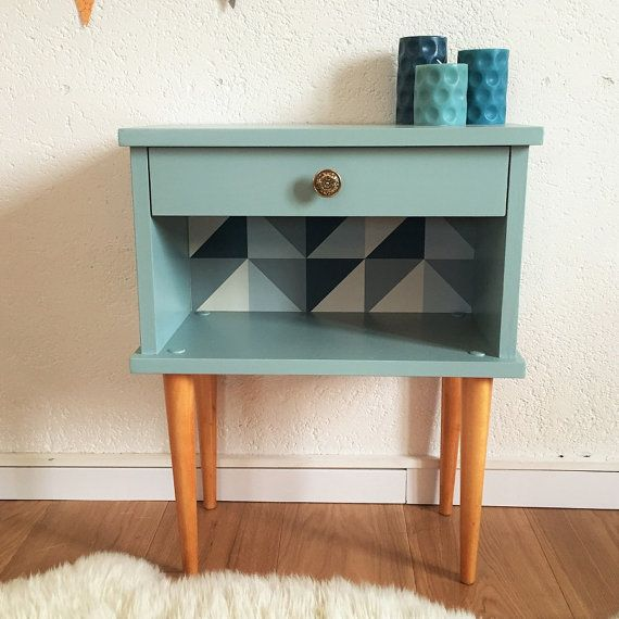 les 25 meilleures id es concernant relooking de table de chevet sur pinterest tables de chevet. Black Bedroom Furniture Sets. Home Design Ideas