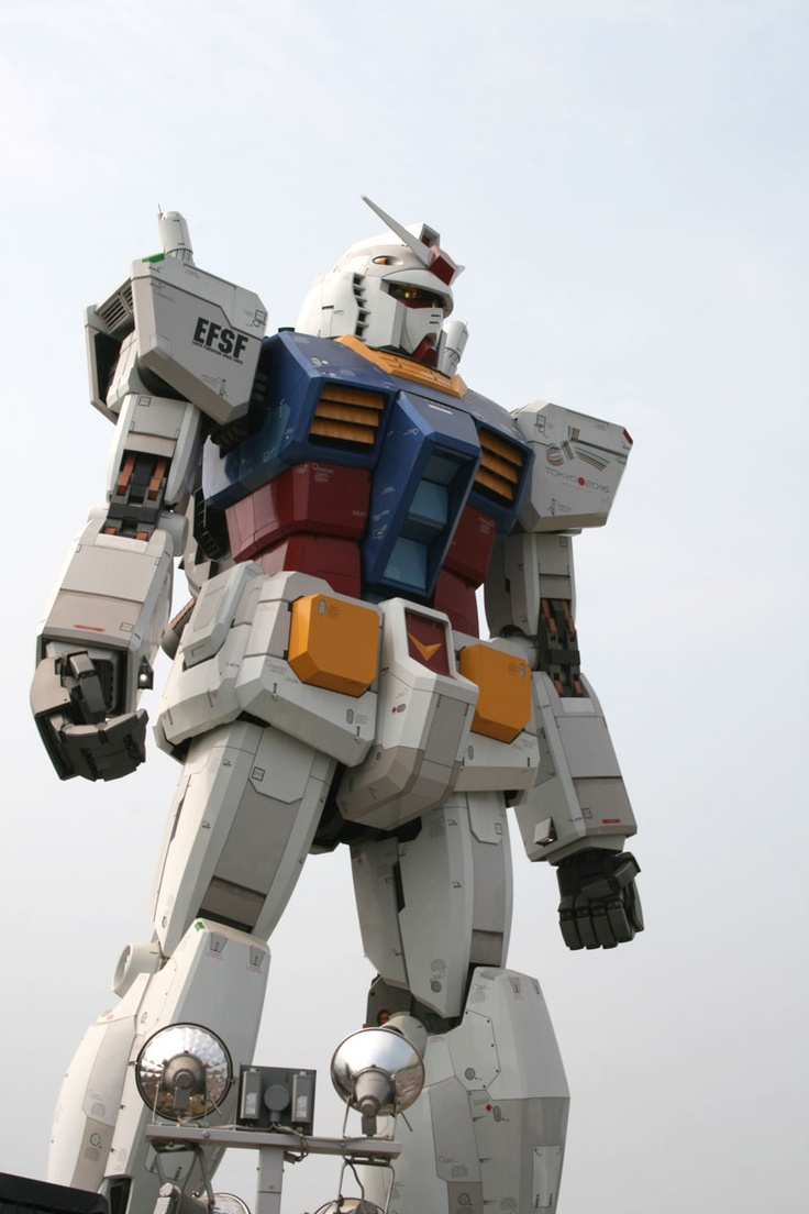 A popular Japanese anime, Mobile Suit Gundam became a real life-size statue at Odaiba, Tokyo.