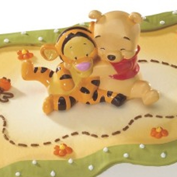 Baby Pooh And Tigger Hugging Cake Topper