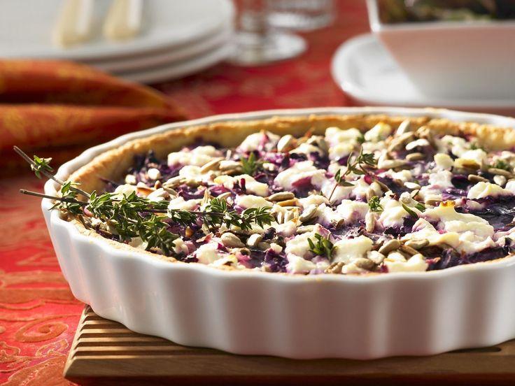 Rotkohl-Tarte mit Ziegenfrischkäse - smarter - Kalorien: 282 Kcal - Zeit: 45 Min. | eatsmarter.de