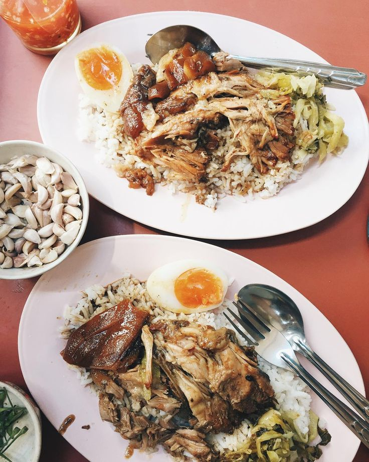 For anyone that adores street food in Thailand they would know this dish really well! Khao ka moo or Braised pork knuckle with rice. There are so many famous old stalls that do this dish really well. And I have tried most or all of them! My favorite is still the same one No name Not famous Not even in a restaurant or shophouse! Husband and wife team selling their one dish menu from a small cart next to The Australian Embassy! The meat is tender but not mushy and the skin still has texture…