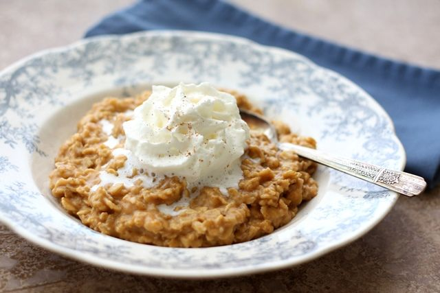 Barefeet In The Kitchen: Pumpkin Pie Oatmeal with Vanilla Whipped Cream