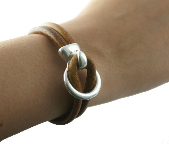 Antique Silver HOOK & LOOP Leather Clasp / Leather por NatureBeads