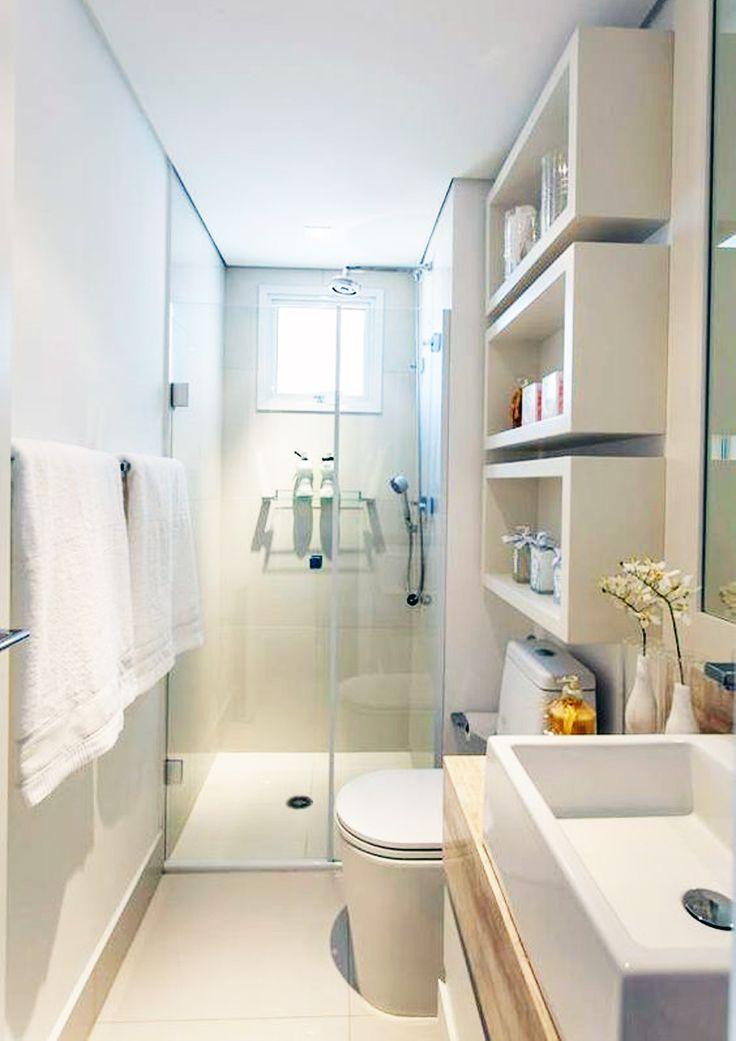 Oltre 25 fantastiche idee su finestra per doccia su - Bagno piccolissimo in camera ...