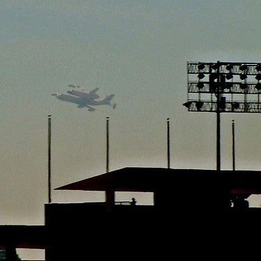 Photo: Space shuttle Endeavour passes by Dodger Stadium - CBSSports.comFame Spaces, Basebal Photos, Dodgers Stadium, California, Endeavour Pass, Spaces Shuttle Endeavour, Baseball Photos
