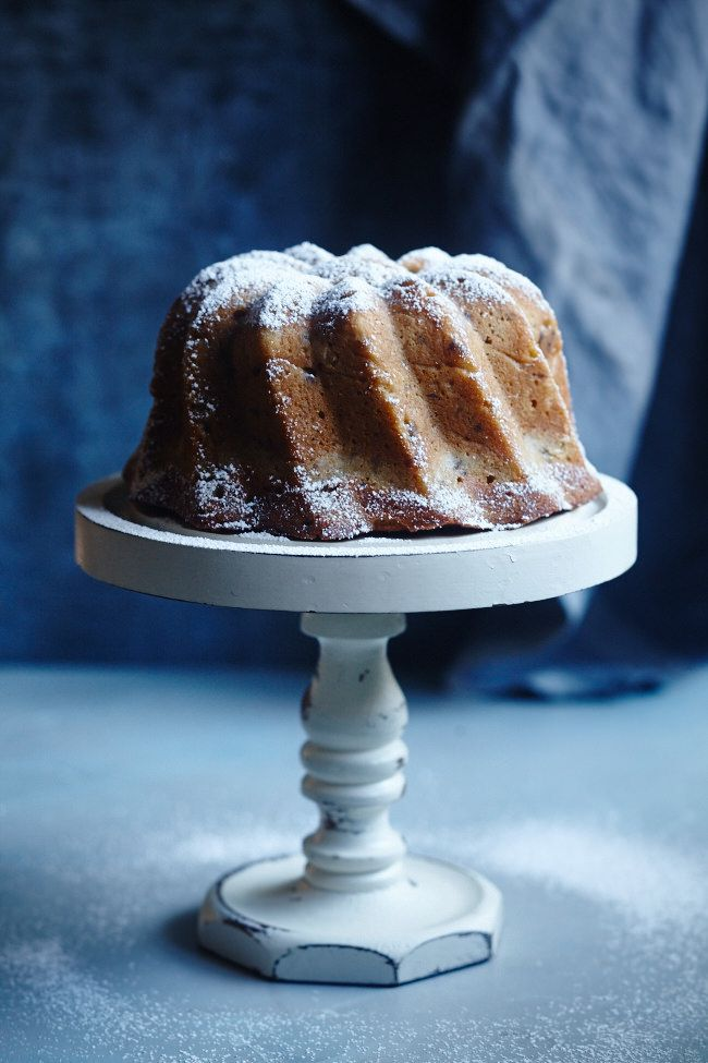 Happy New Year! 2016 Starts With An Olive Oil and Walnut Cake!