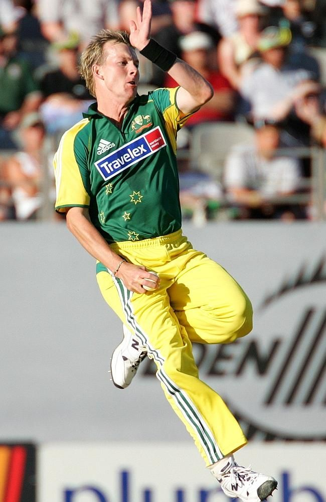 Brett Lee prepares to unleash a thunderbolt in an ODI against New Zealand at Eden Park. Brett Lee is the fastestest Australian bowler in the Austrailian Cricket History. He bowled his fastest delivery of 160.8 kmph against New Zealand at Napier in 2005.