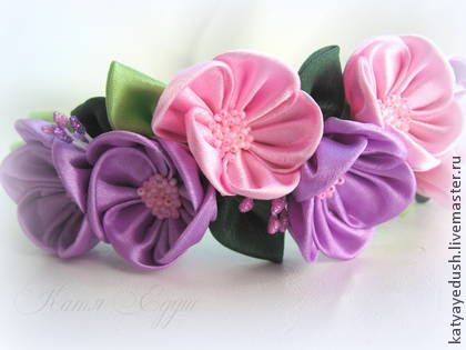 Lilac-pink hair wreath of flowers from satin ribbon. Universal size!  These flowers made in the technique of tsumami kanzashi. Very light and beautiful! Headband weaved satin ribbon.   Flower`s d ~ 4cm (1.6 inch).