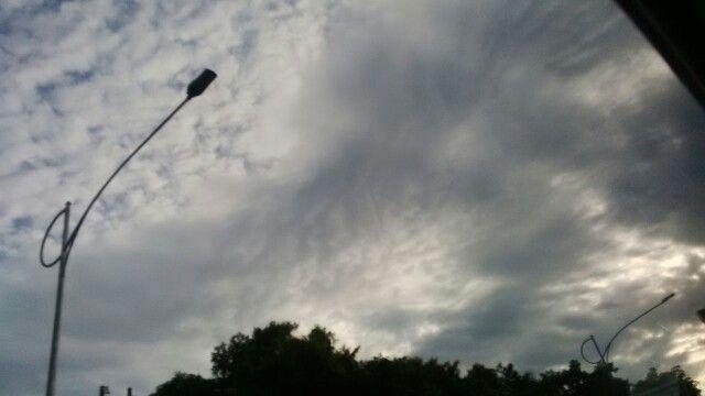 Langit pagi di atas Pancoran #kamis24maret2016