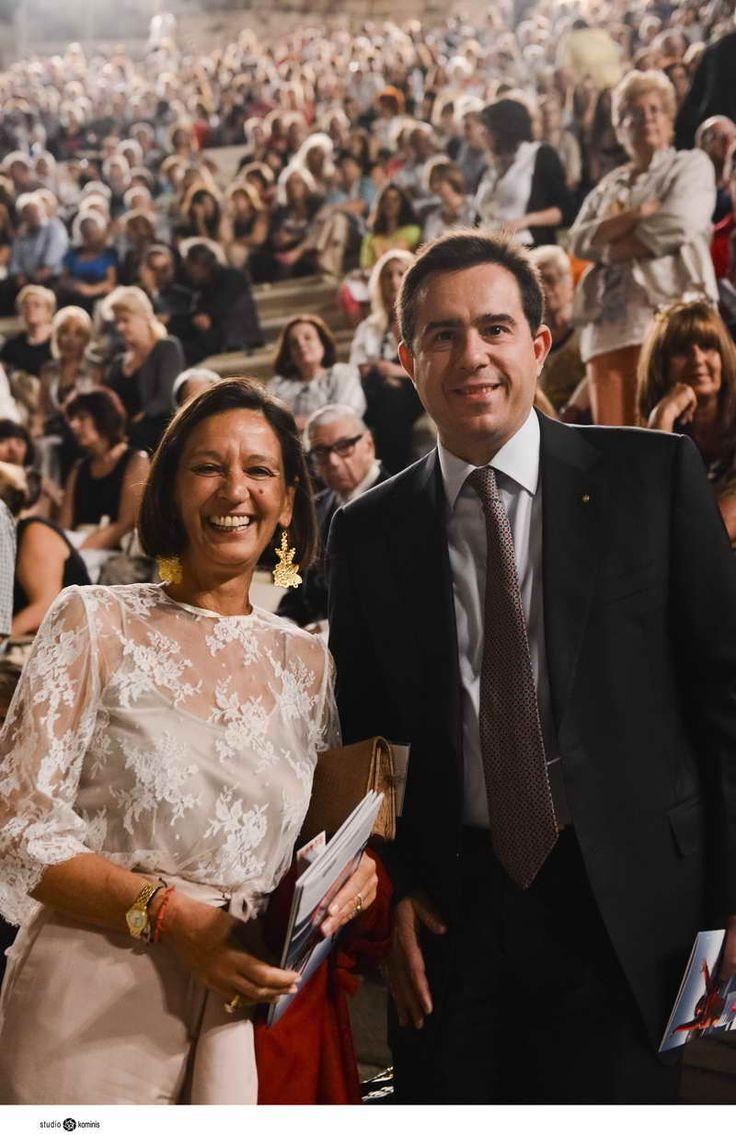 Εκδήλωση της χορευτικής ομάδας του Λυκείου Ελληνίδων στο Ηρώδειο, Ο κ. Νότης Μηταράκης με την Πρόεδρο του Λυκείου Ελληνίδων, κα Ελένη Τσαλδάρη.