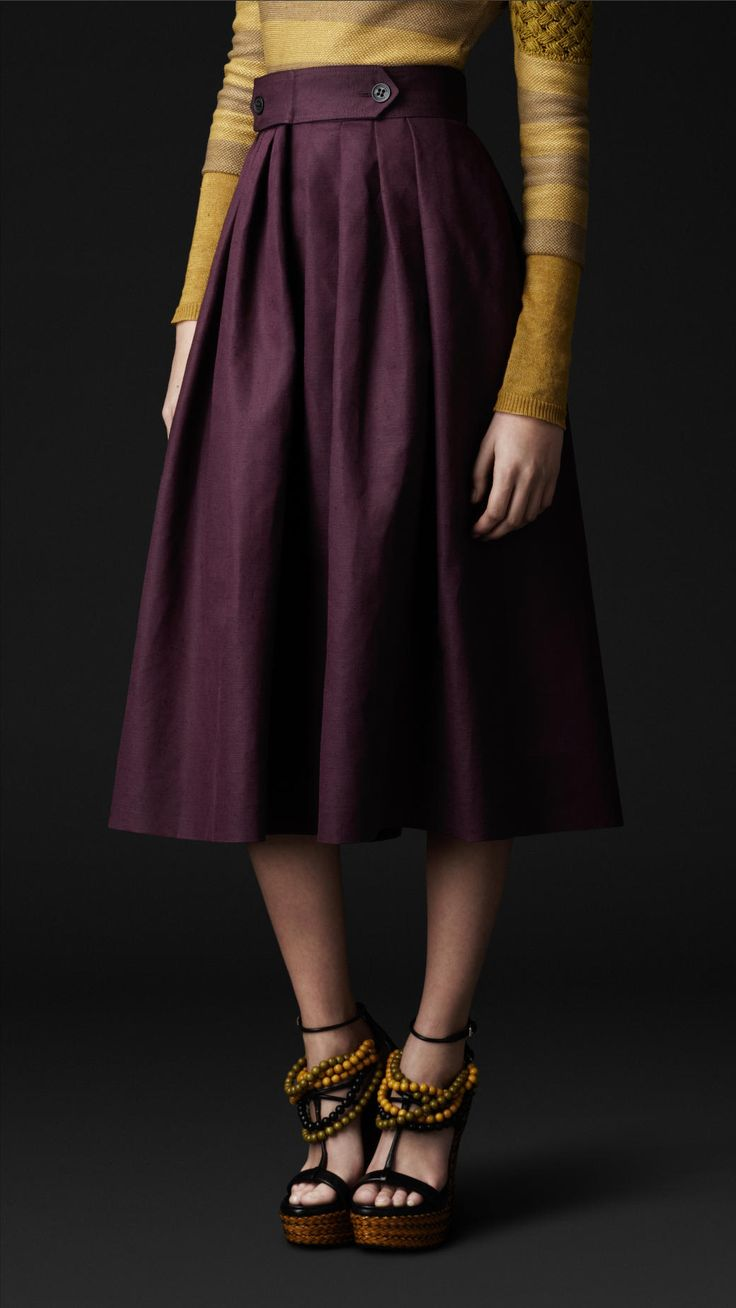 Gorgeous linen and cotton blend heritage skirt from Burberry. (Pssst, did you see the shoes they paired w/ this thing? The whole look is everything!) $895