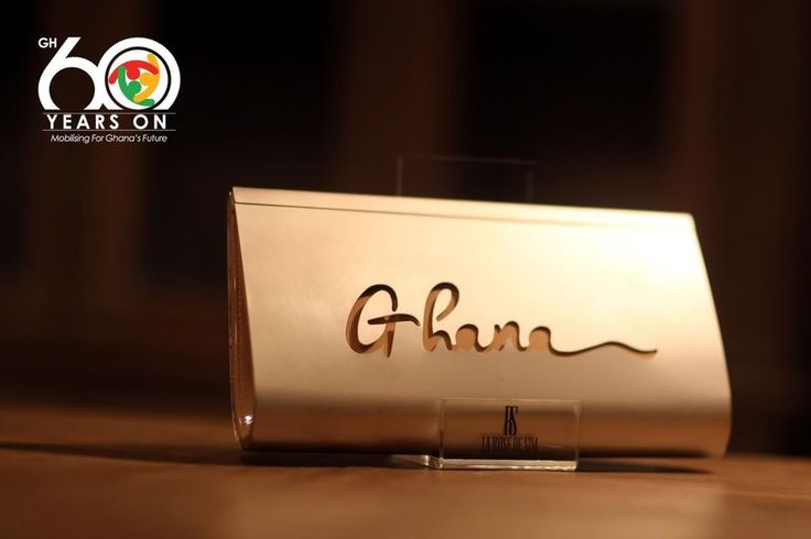 We honour Ghana for Independence Day with the unique Ghana clutch by @larosedesim. This bag is gold-plated and custom made only for Ghana. Do you want to rock it during this year's celebrations? Just Dm to have all the informations. #Ghana #Ghana60 #GodBlessGhana #GhanaIndependence #Fashion #Lifestyle #style #bag #clutch #custommade #luxury #africanfashion