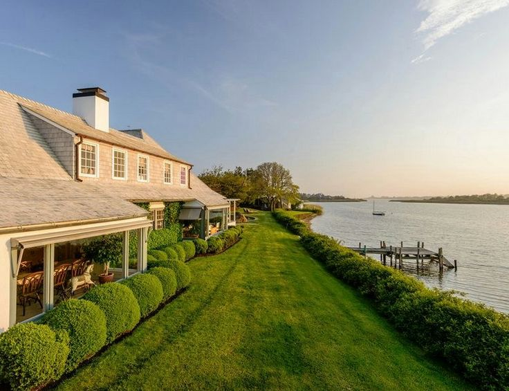 HOUSE OF THE DAY: Entertainment Mogul David Geffen Reportedly Bought This Hamptons Estate For $67.5 Million