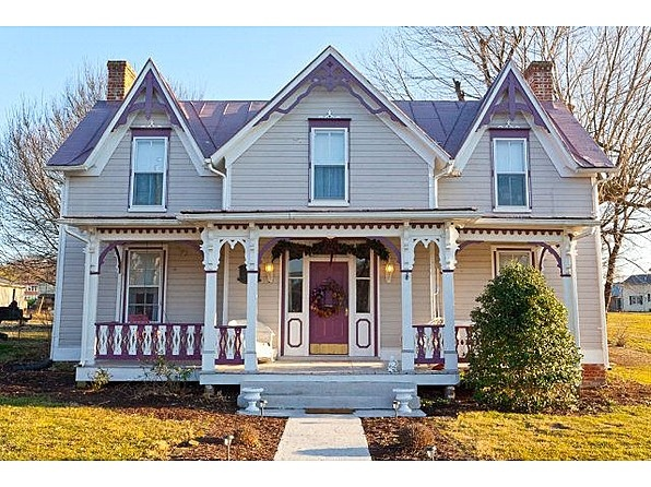 170 best images about gothic revival homes on pinterest for Gothic revival homes for sale