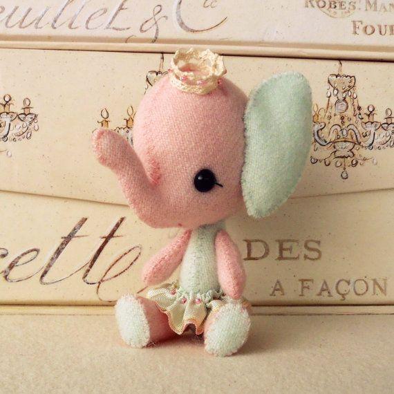soo cute!: Sewing Toys, Little Girls, Felt, Pdf Patterns, Sweet Peas, Pink Princesses, Pink Elephants, Circus Stuffl, Sewing Patterns