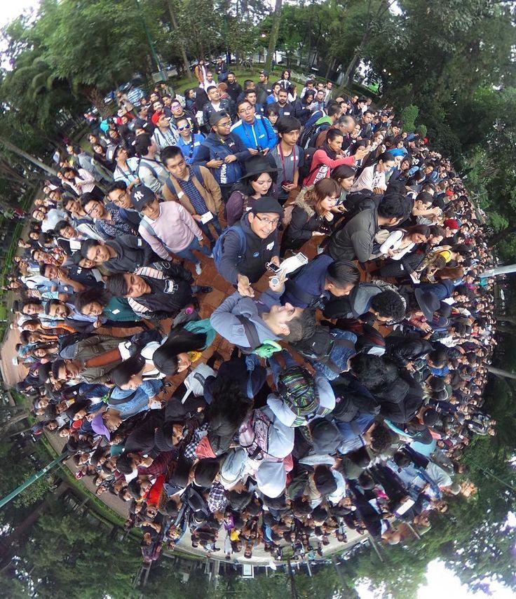Foto de @ederla.mx No último fim de semana, aconteceu o 16º InstaMeet Mundial # WWIM16 💌 e pessoas das comunidades de cidades do mundo todo – incluindo Nova Iorque, Jacarta, Taiwan e tantas outras – organizaram seus encontros. Os InstaMeets têm sido parte da nossa comunidade desde os primeiros dias do Instagram. Desta vez, o tema foi ComentáriosGentis. Muitas mensagens carinhosas foram compartilhas pelo mundo na forma de fotos, vídeos e ilustrações. Na Cidade do México, a comunidade se…