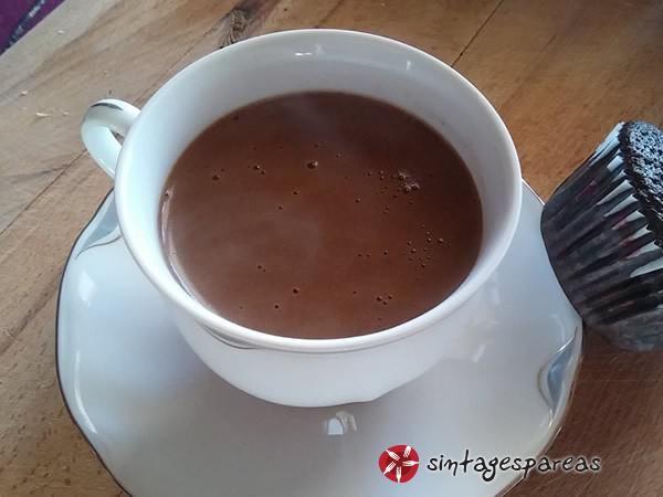 Ελαφρύ ρόφημα με κακάο και ελληνικό καφέ #sintagespareas #rofimamekakao