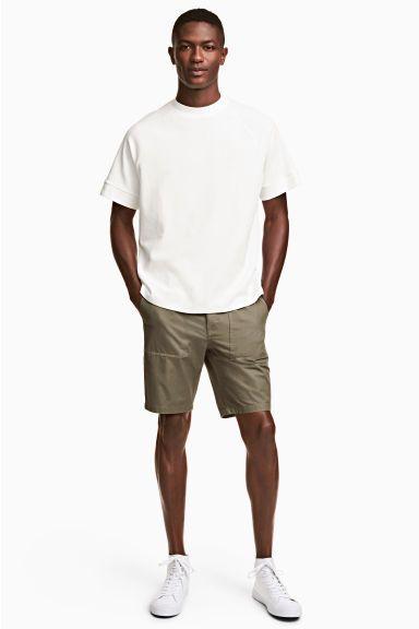 Короткие хлопковые шорты - Хаки - Мужчины | H&M RU
