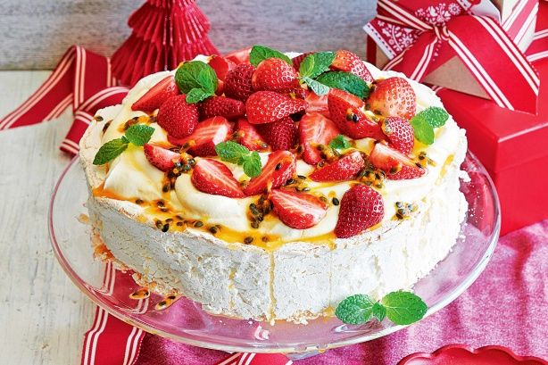 Whip up a sensational dessert in just 10 minutes with this easy pavlova recipe.