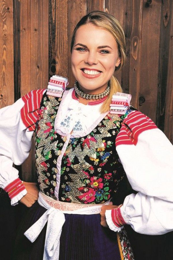 Faerie Fashion — pocarovna: Slovak costumes from various regions