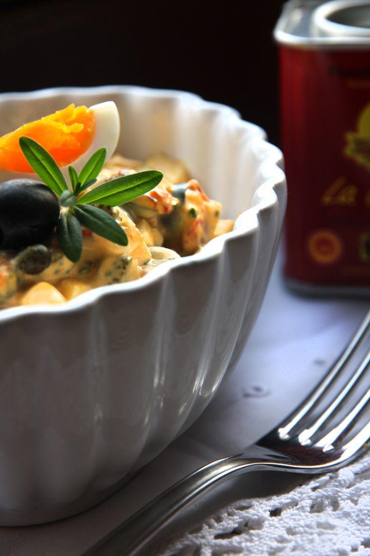 Spanischer Eiersalat mit Chorizo, Serranoschinken und Pimenton de la vera-Mayonnaise | rockthekitchen!