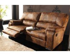 Si lo que buscas en un sofá es el confort, la calidad y el estilo este encajará a la perfección con tus necesidades. Por su acabado en color marrón es ideal para una decoración clásica y rústica