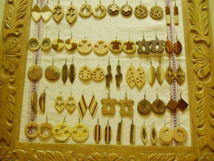 some of my wooden earrings.