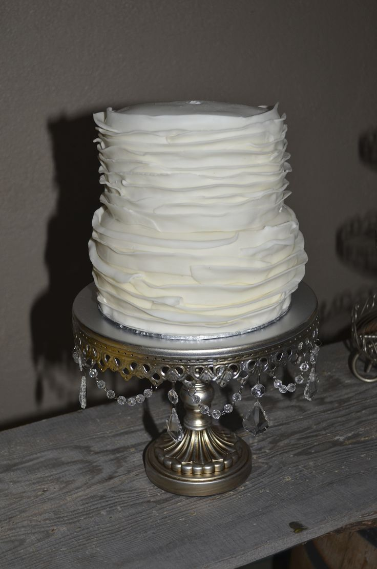 Simple white cake. A flower was added to the top