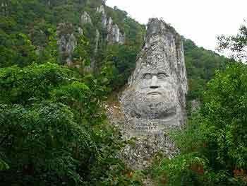 walachei-statue-decebalus.