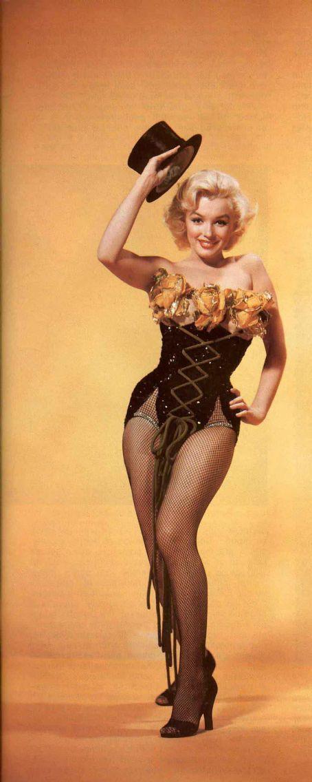 Marilyn Monroe http://digitalcamerasreviewonline.com/