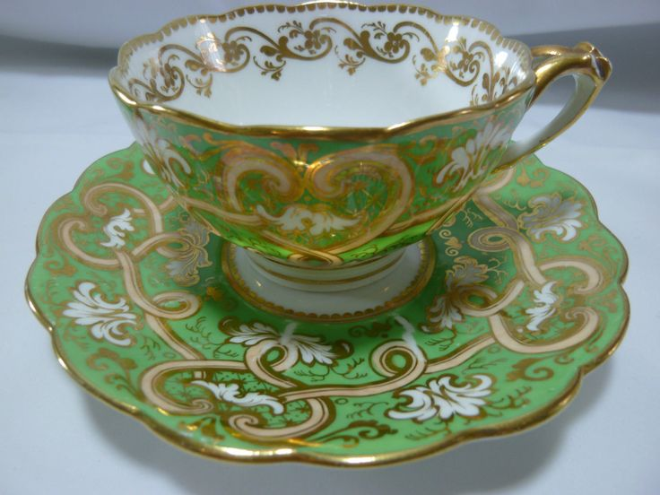 Ridgway Tea Cup and Saucer Apple Green with Split Handle C1820