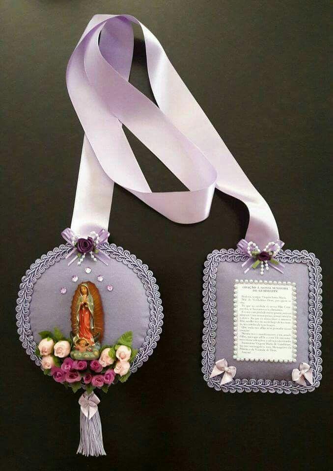 Escapulário de porta com a Nossa Senhora de Guadalupe...