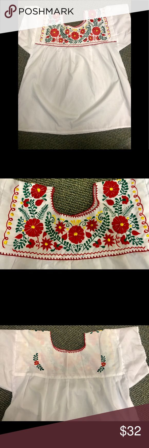 🌹🌼🌺Mexican blouse🌺🌼🌹 ⬇️FINAL PRICE🔽 Beautiful Mexican embroidered blouse. Purchased in Oaxaca MX. No stains No snags No rips. NWOT Tops Tunics