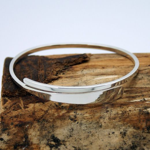 Pura Mexico Sterling Silver Spiral Bangle - Chic and timeless