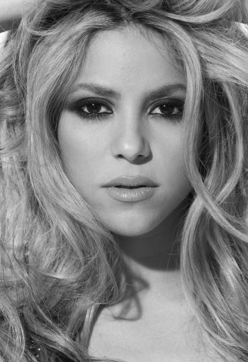 Shakira. Born: Colombia. Speaks: Spanish, Portuguese, English.