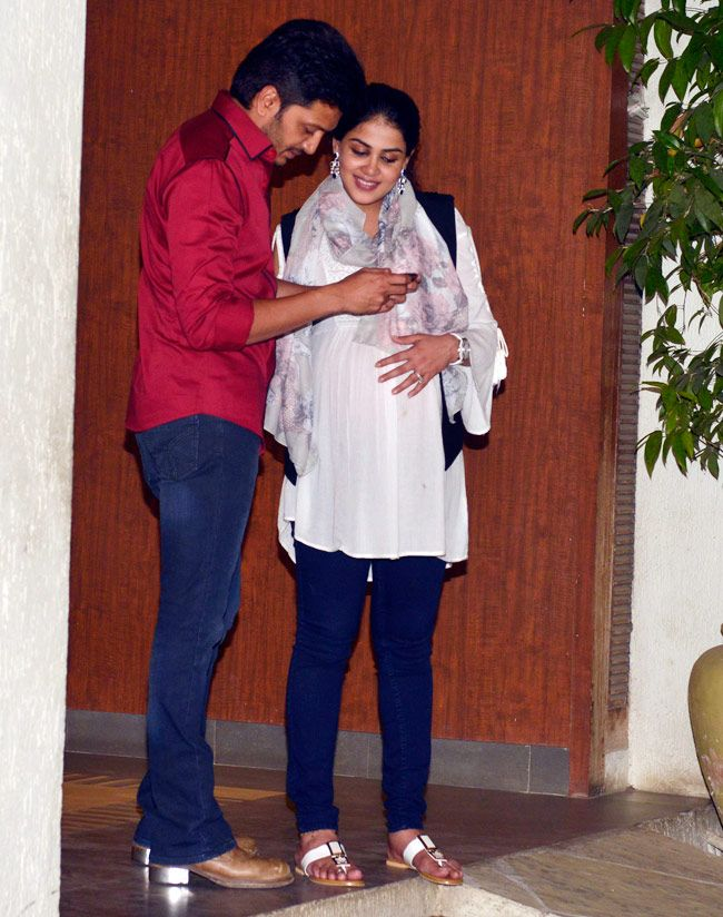 Riteish Deshmukh and heavily pregnant wife Genelia D'Souza Deshmukh at Sonali Bendre and Goldie Behl anniversay bash.