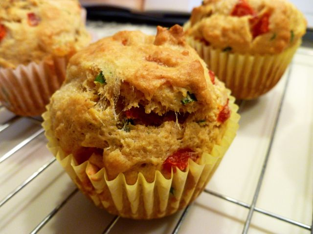 mozzarella, basil, and roasted red pepper muffins | The Baking Fairy