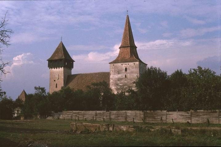 Biserica fortificată din Movile  Machetă pentru biserica fortificată din Movile  Planul fortificaţiei din Movile[1]
