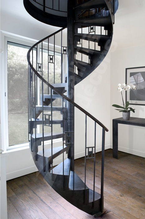 les 25 meilleures id es concernant escalier en fer forg sur pinterest balustrades en fer. Black Bedroom Furniture Sets. Home Design Ideas
