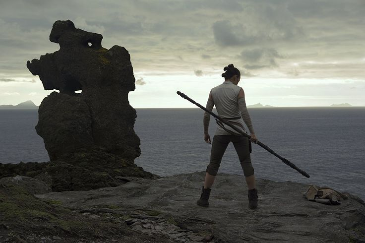 John Boyega and Kelly Marie Tran in Star Wars: Episode VIII - The Last Jedi (2017)